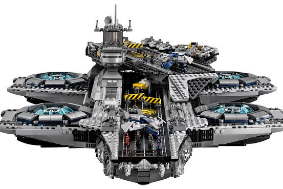 lego-helicarrier-3